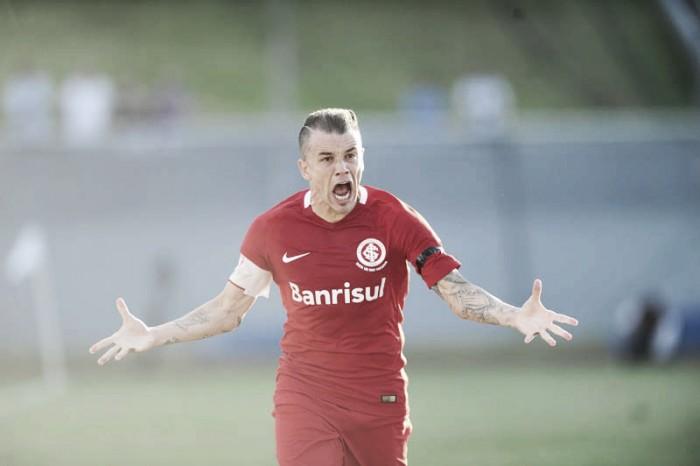 """D'Alessandro exalta vitória diante do Londrina, porém reitera: """"Nosso objetivo está lá na frente"""""""