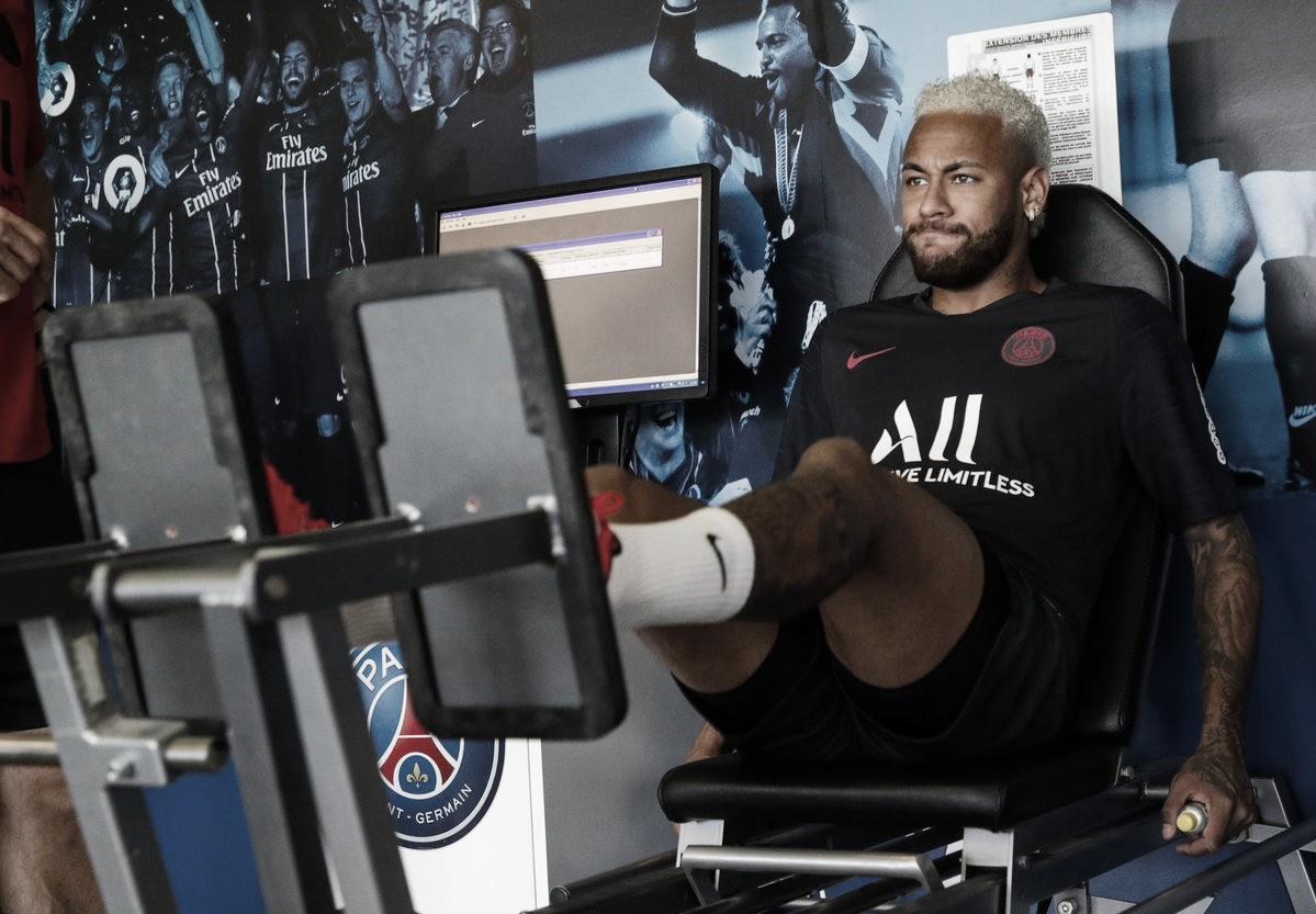 Envolvido empolêmica,Neymar se reapresenta ao Paris Saint-Germain