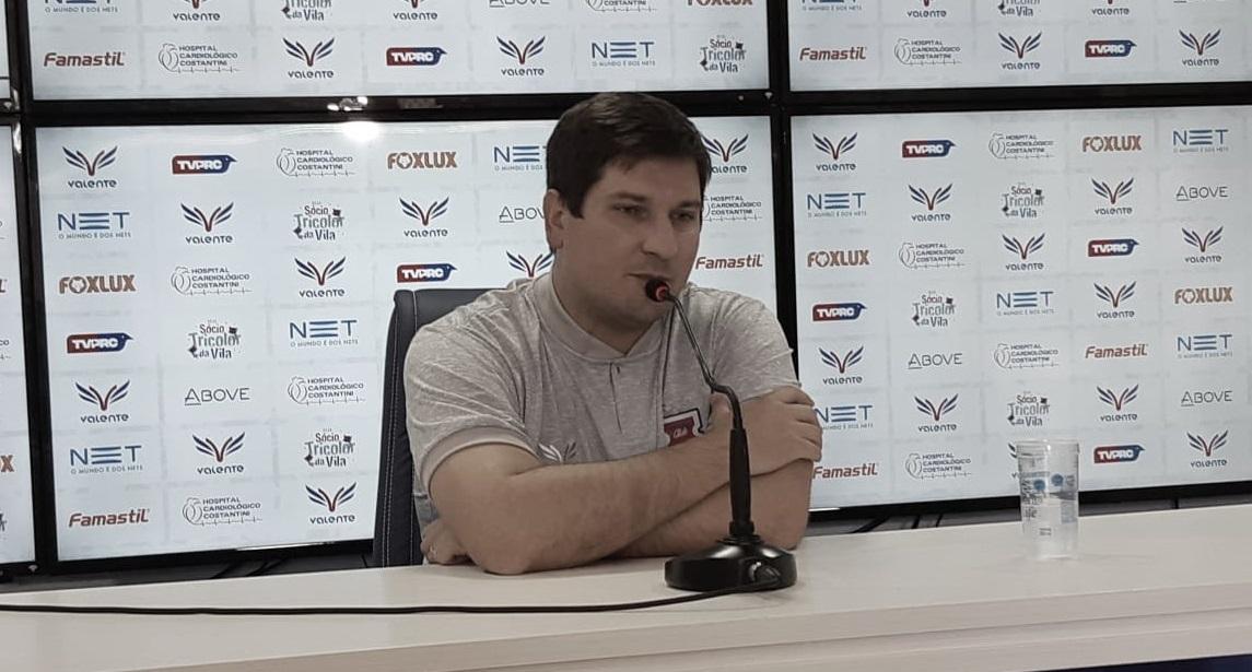Após derrota em confronto direto, Matheus Costa cita dificuldades de preparação do Paraná