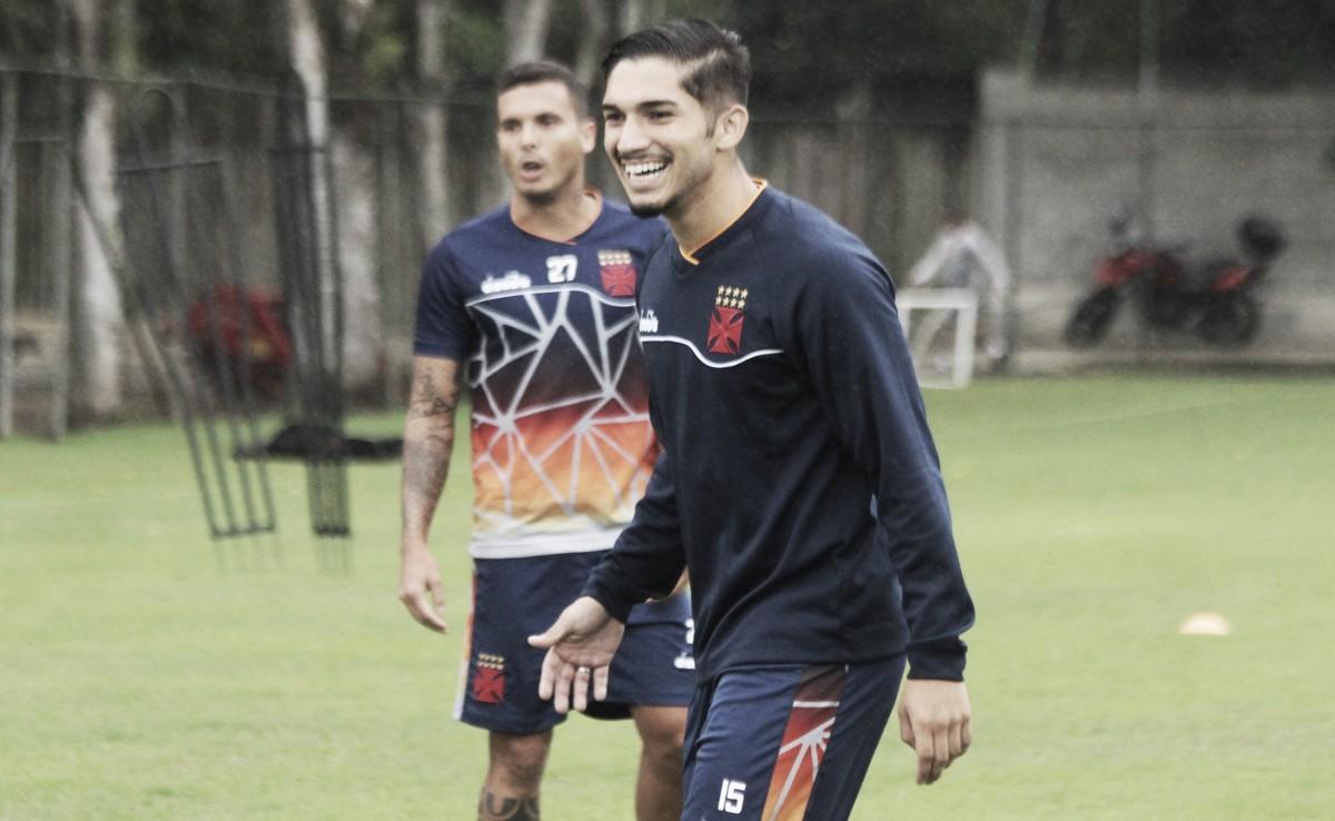 """Andrey frisa necessidade de crescimento do Vasco no ano: """"Raça e técnica não vão faltar"""""""