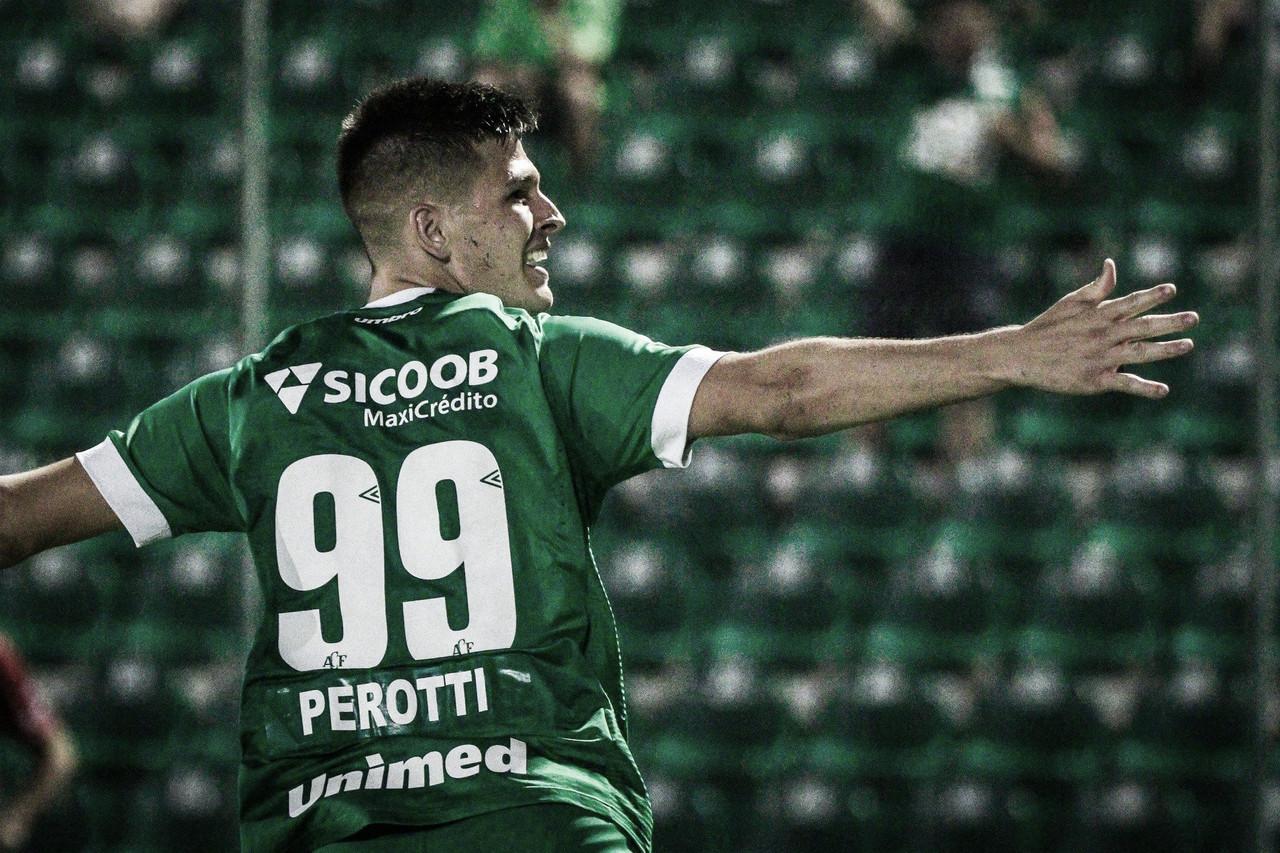 """Atacante Perotti acerta retorno à Chapecoense: """"Meu time do coração"""""""