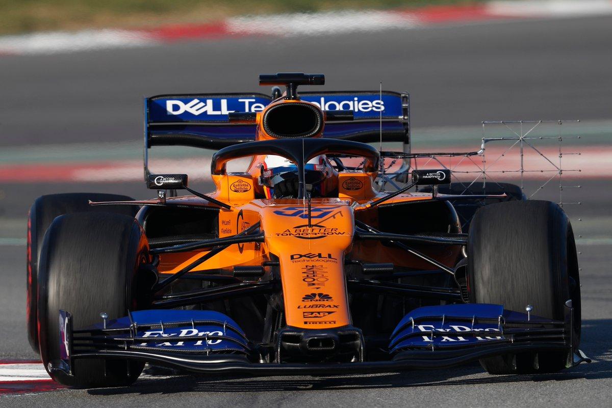 Test Formula 1, Day-2: Sainz in testa, incidente per Vettel