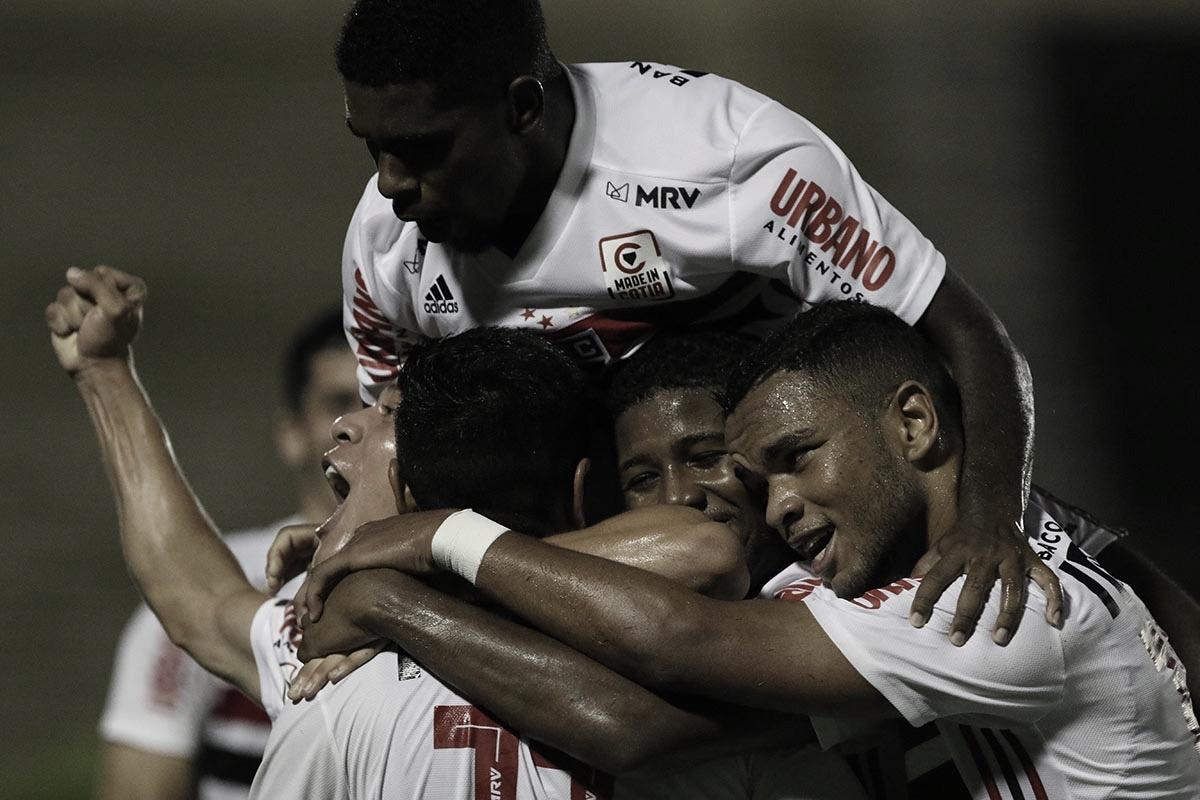 São Paulo goleia Flamengo-SP e se classifica para terceira fase da Copinha