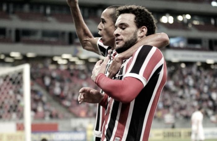 Com objetivos diferentes, Vila Nova e Santa Cruz se enfrentam na Série B