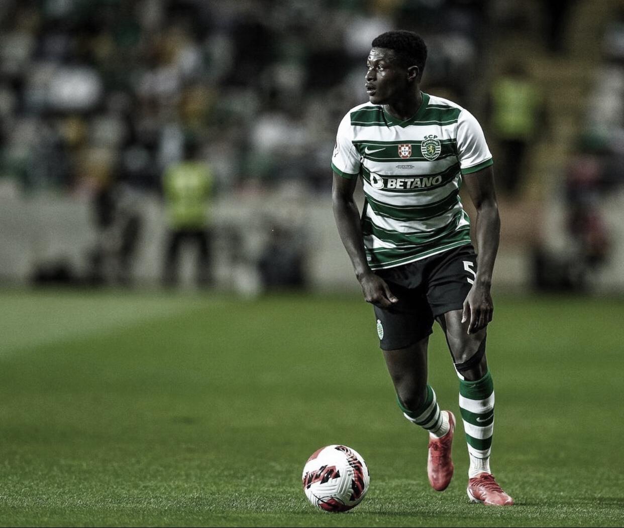 PSG anuncia lateral-esquerdo Nuno Mendes como novo reforço para temporada