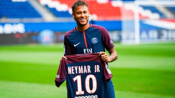 Neymar não é vilão por sair da zona de conforto