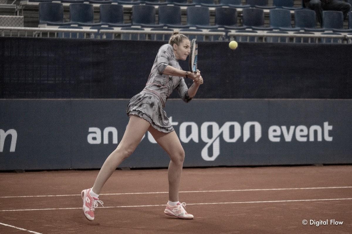 Kristyna Pliskova bate Kuznetsova de virada e avança às semis em Lugano