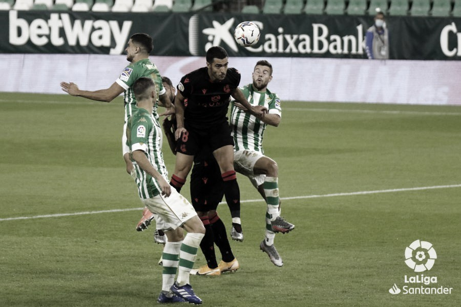 Mikel Merino golpeando el esférico | Fotografía: LaLiga