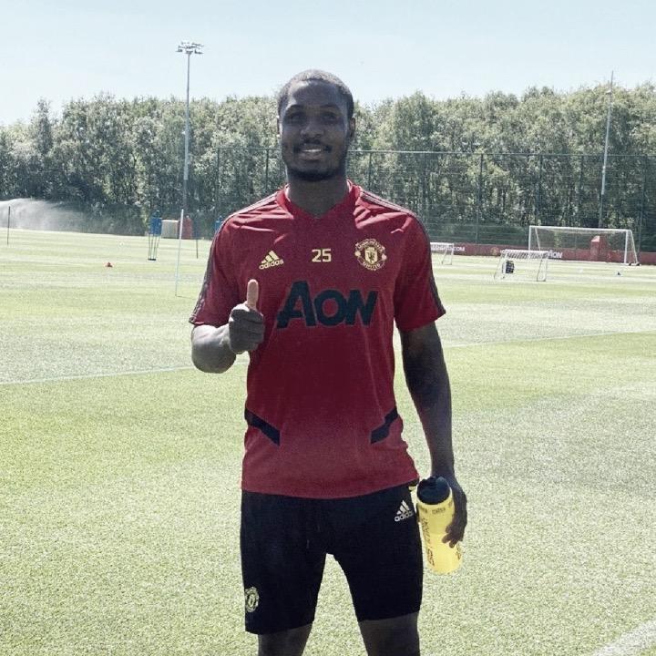 Manchester United desembolsa £10 milhões pela extensão de contrato com Ighalo