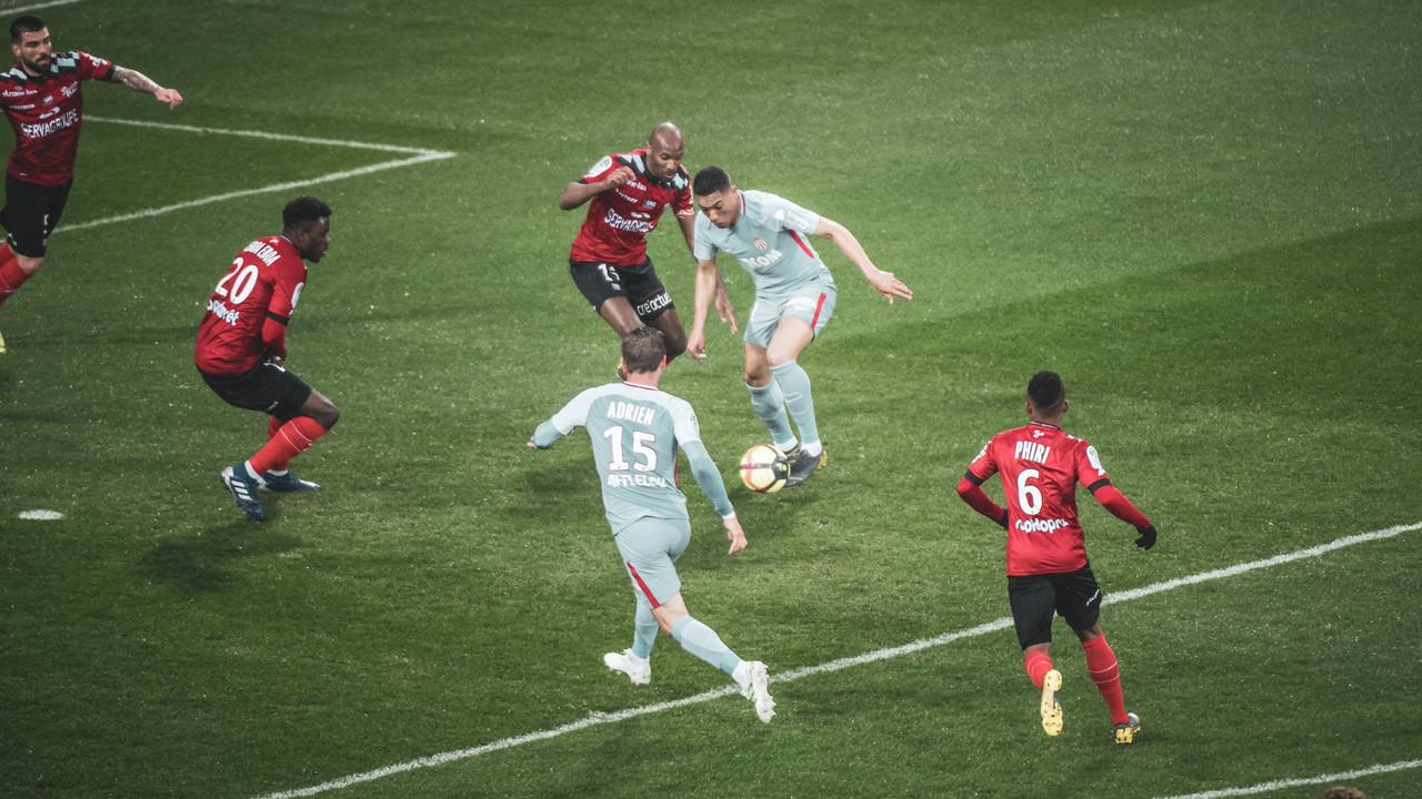 Ligue 1: giornata poco favorevole per le big, si riscuote il Dijon
