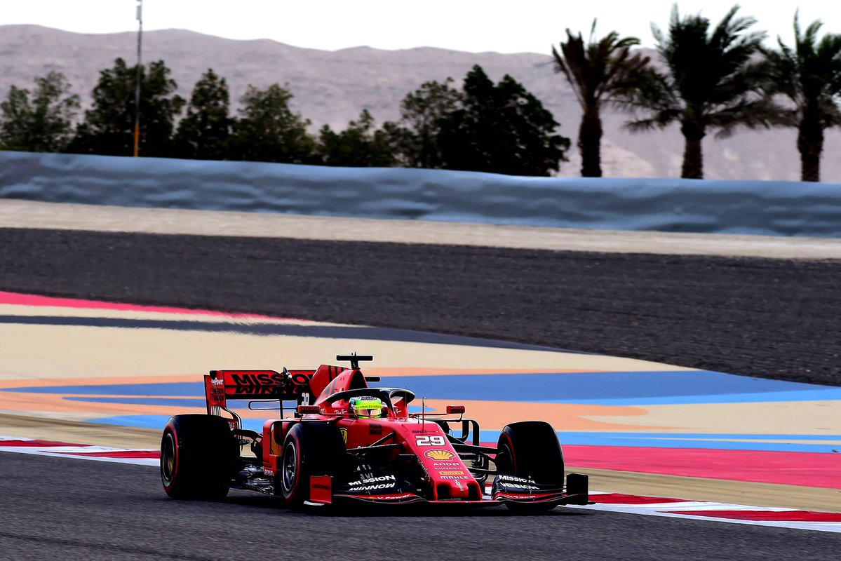 Formula 1, test Bahrein Day-1: Verstappen davanti a Schumacher
