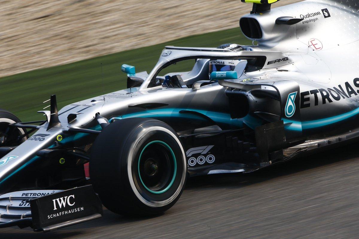 Formula 1 - La pole è di Bottas. Terzo Vettel, a muro LeClerc