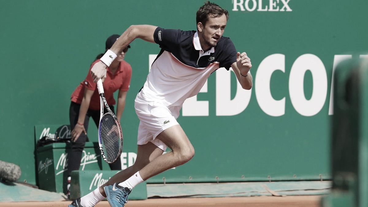 Medvedev se mete en los cuartos de final en el Principado