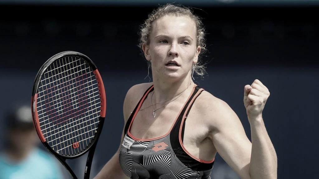 Siniakova faz estreia perfeita em Praga, bate Jakupovic e avança às oitavas de final