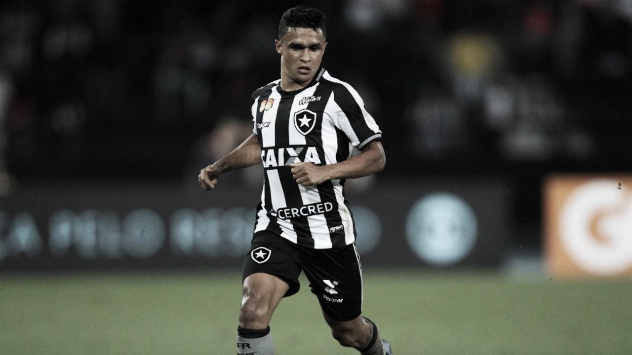 Erik destaca Botafogo 'competitivo' e garante foco total na Copa Sul-Americana