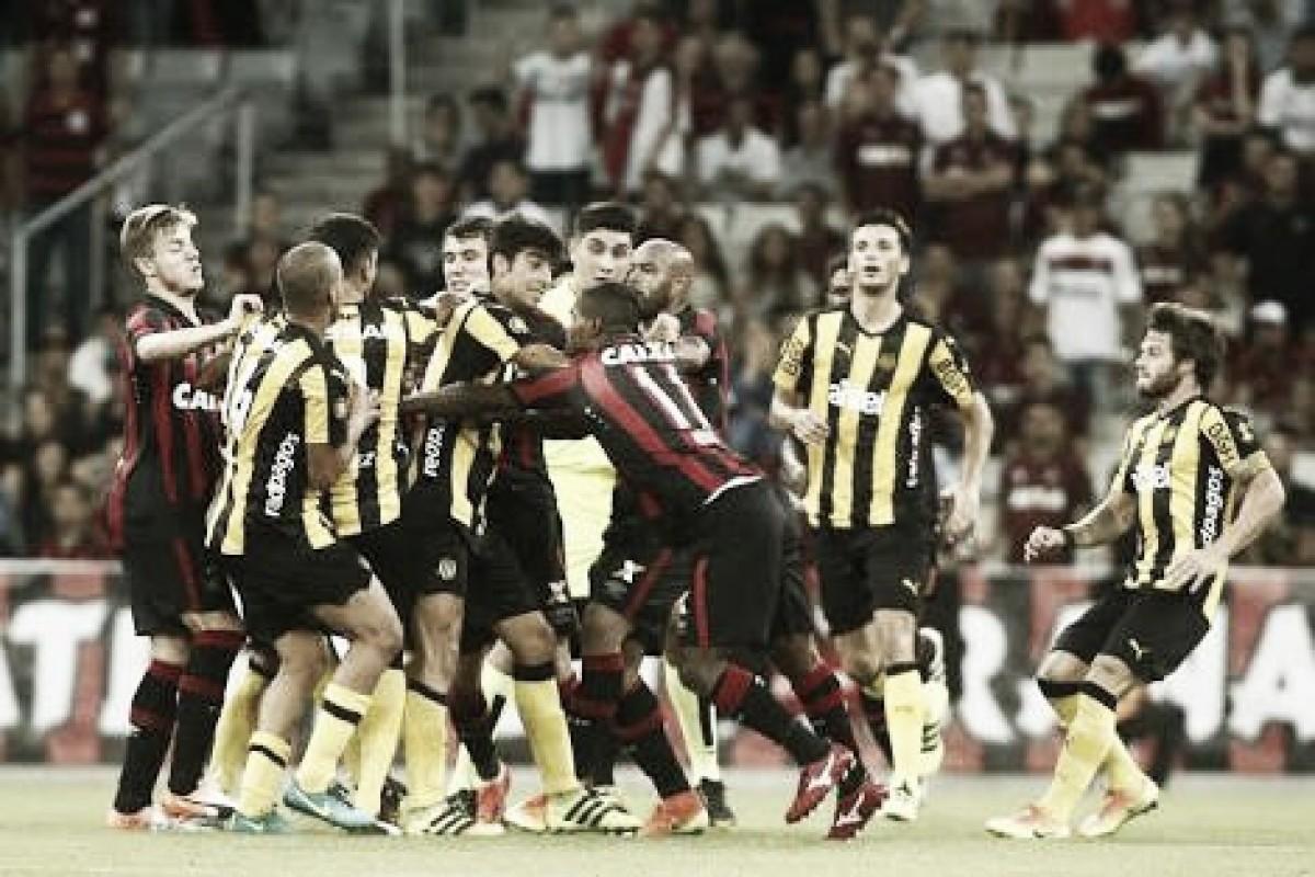 Atlético-PR e Peñarol se reencontram um ano após amistoso com briga