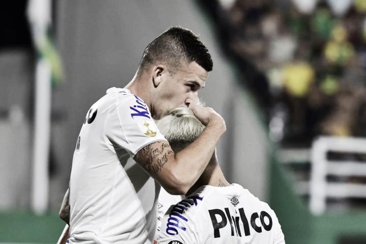 Santos sai atrás, busca virada no fim e bate Defensa y Justicia pela Libertadores