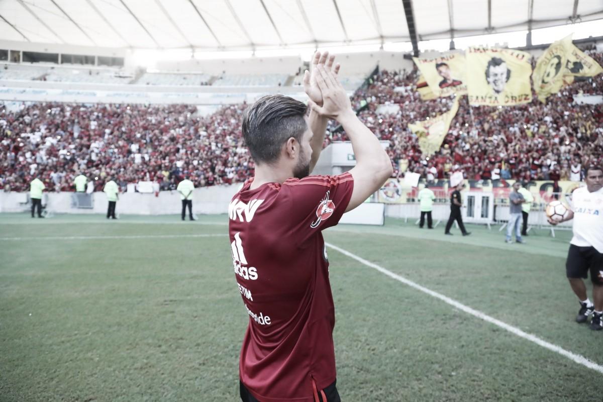 Com lesão na coxa, Diego desfalca Flamengo na despedida de Julio Cesar