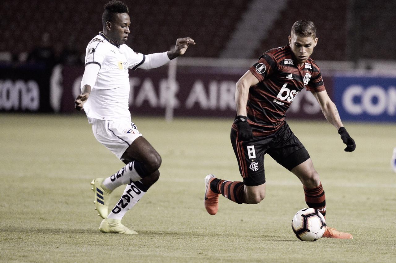 Flamengo joga mal, sofre virada da LDU e vê classificação na Libertadores em risco