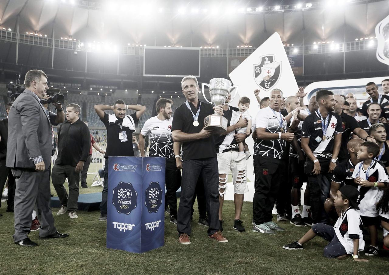 Campello celebra título da Taça Guanabara e fala em mudança de 2018 para 2019