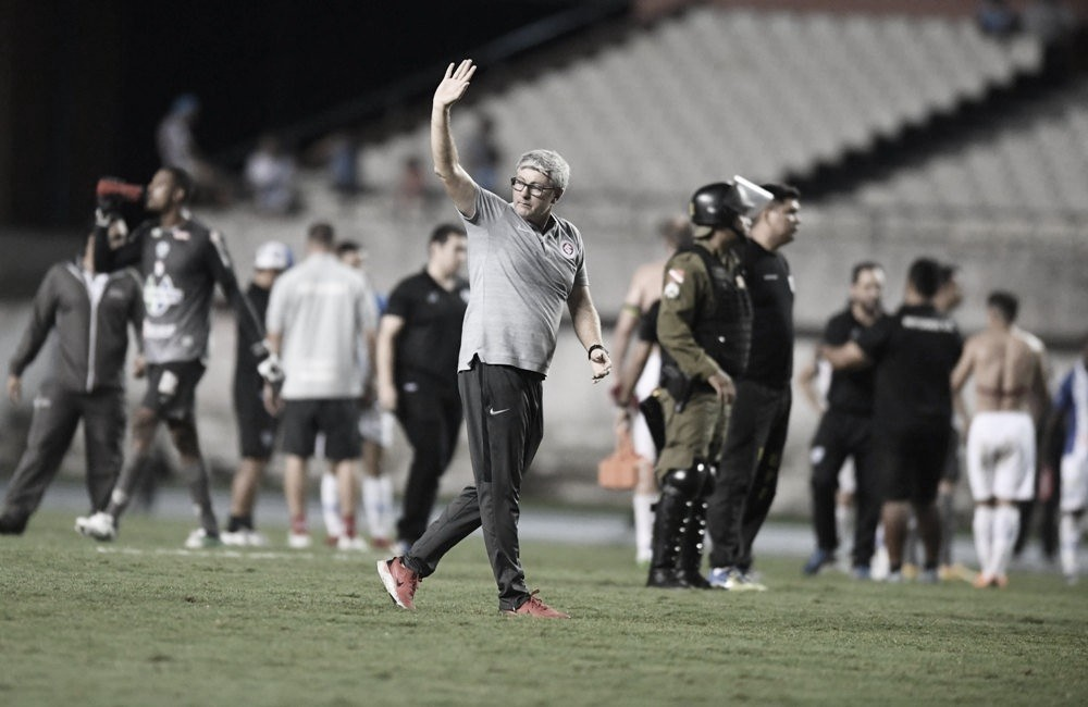 """Odair Hellmann elogia Inter após nova vitória sobre Paysandu: """"A equipe foi madura"""""""