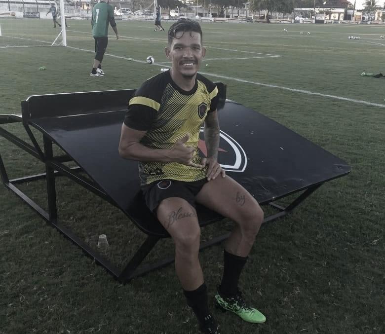 Meia Rodrigo Andrade demonstra confiança em vitoriosa estreia do Botafogo-PB no Nordestão
