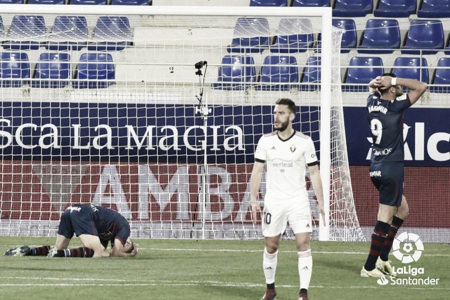 El Huesca empata en un encuentro clave contra Osasuna
