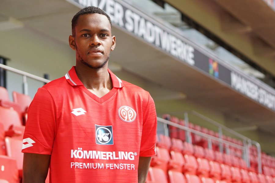 West Ham United confirm the sale of Edimilson Fernandes to 1.FSV Mainz