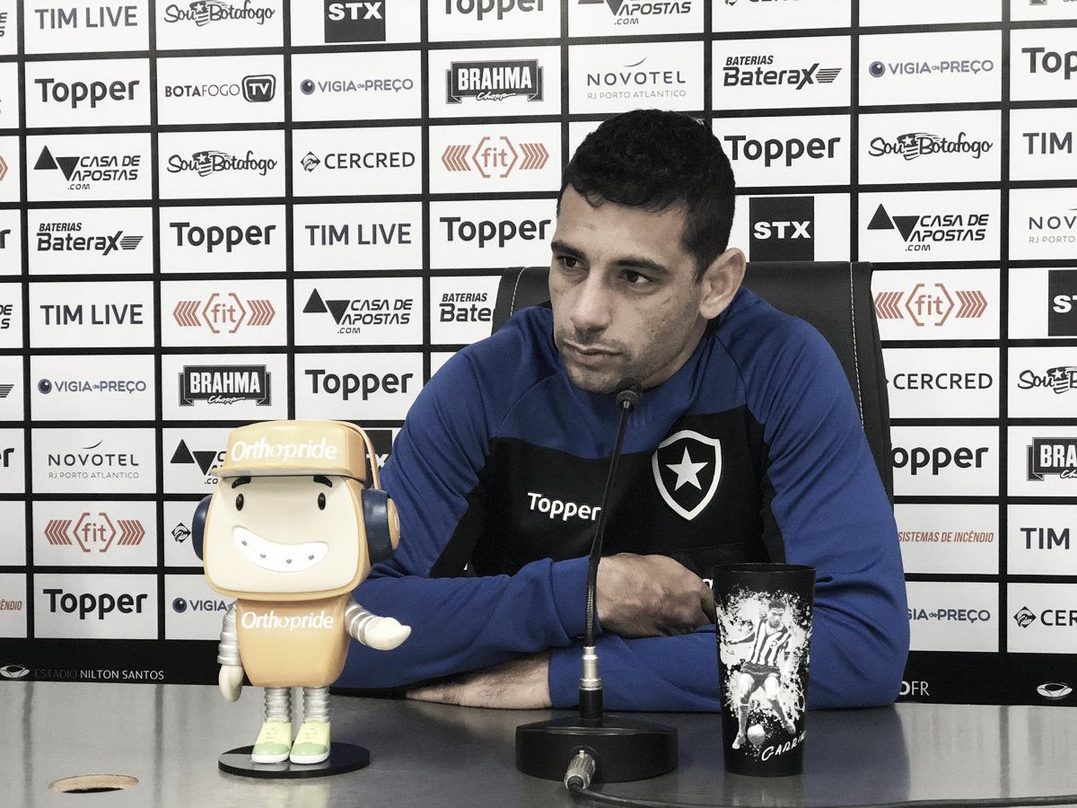 """Após marcar no clássico, Diego Souza espera fazer mais gols pelo Botafogo: """"Tenho obrigação"""""""