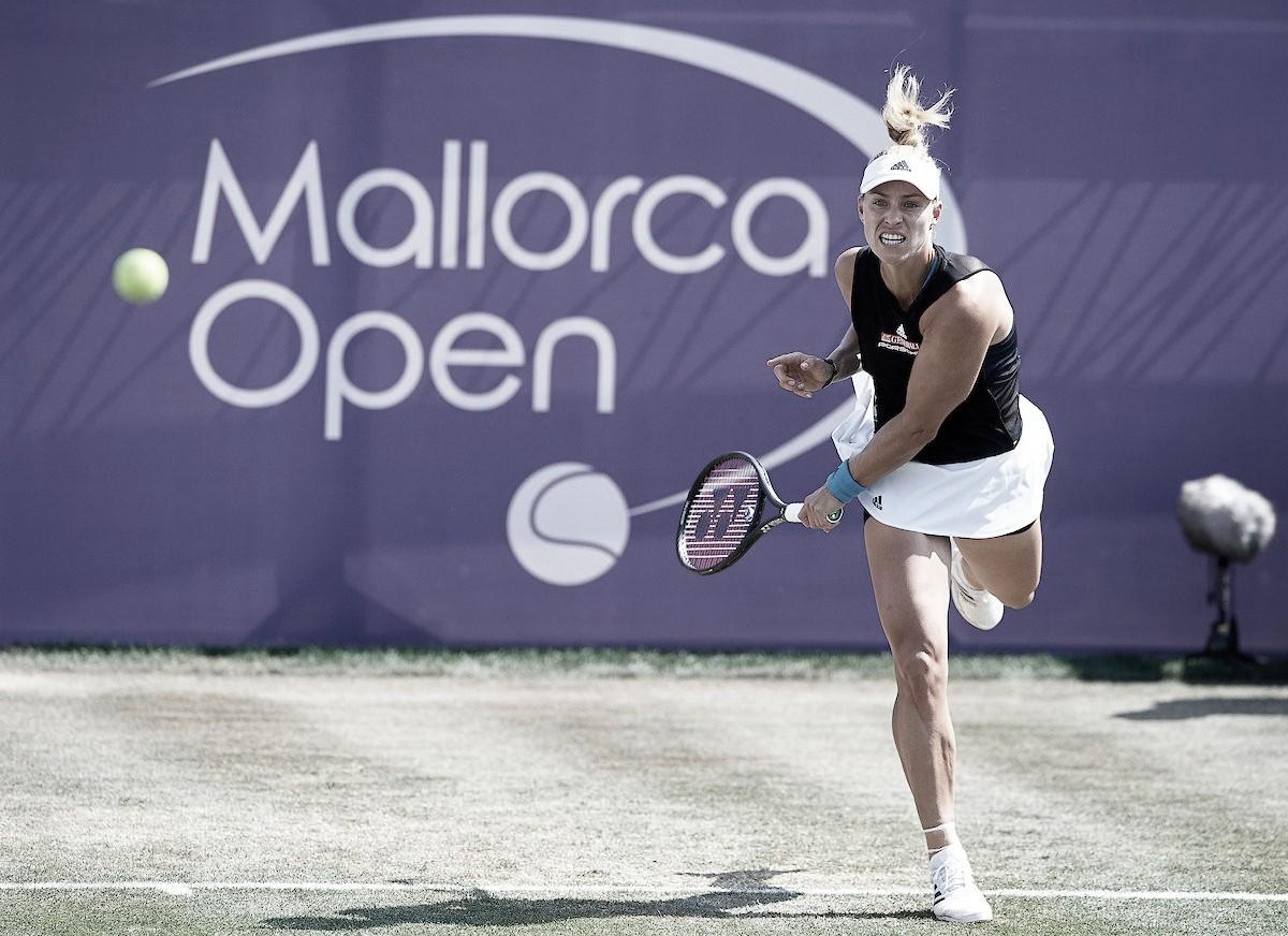 Kerber dá show, despacha Sharapova e avança às quartas do Mallorca Open