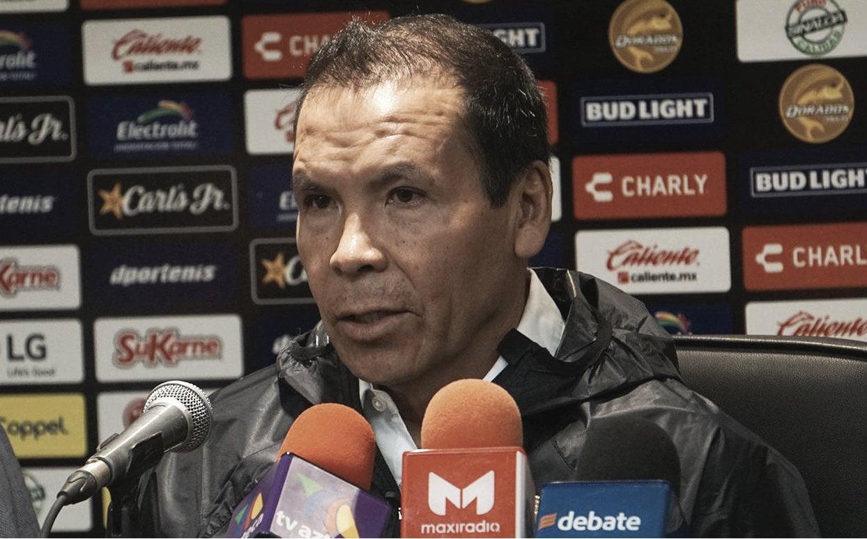 Dorados presenta al 'Profe' Cruz