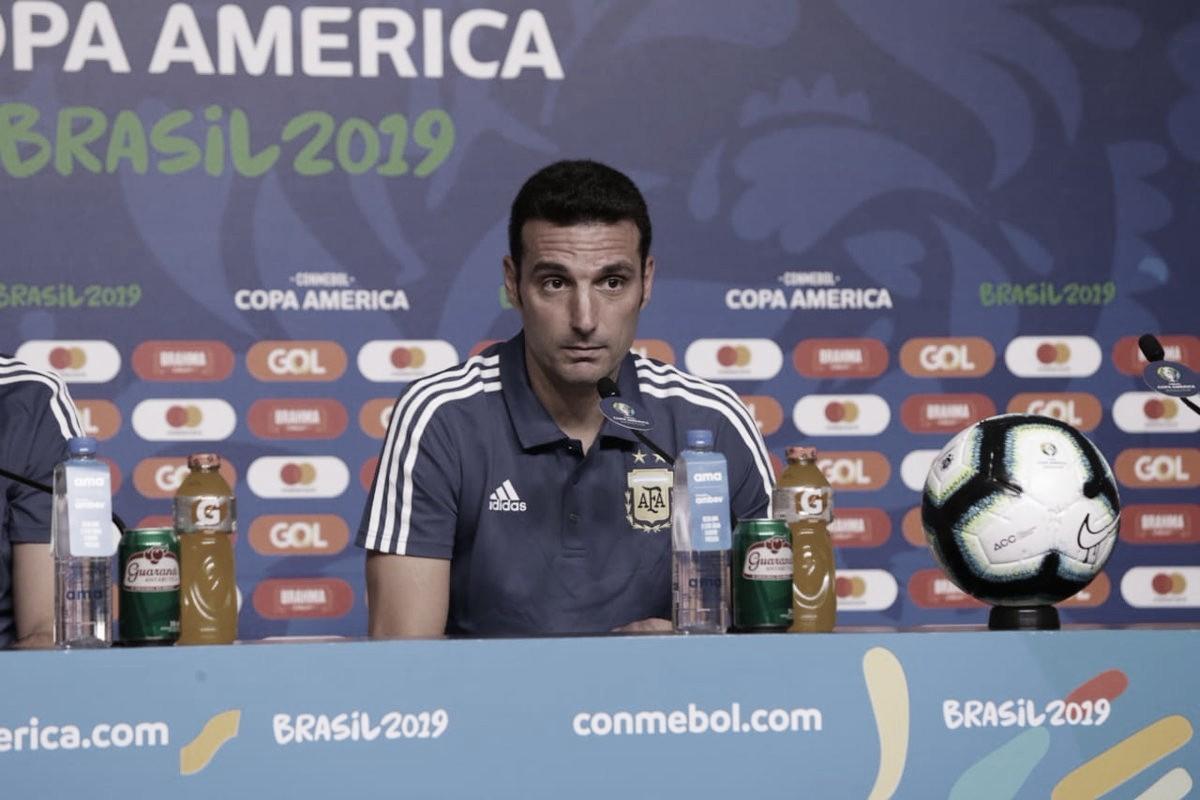 """Scaloni elogia desempenho argentino e reforça: """"Todos estão comprometidos"""""""