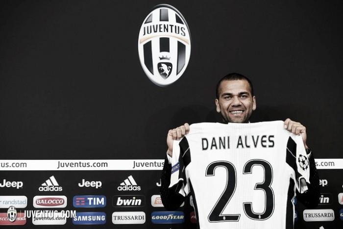 Apresentado, Daniel Alves projeta título da UCL com a Juventus e homenageia LeBron James