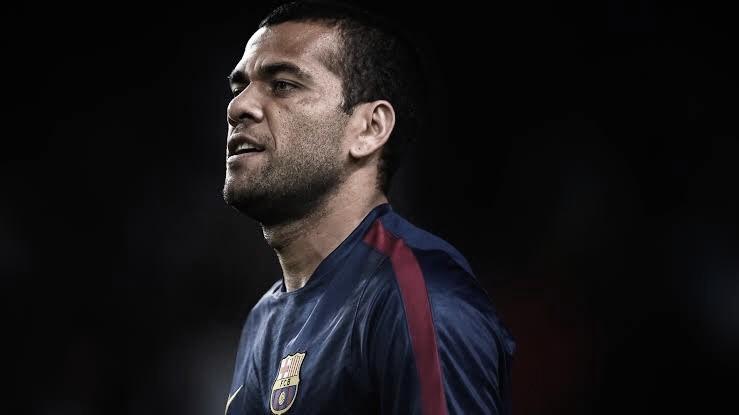 Daniel Alves explica motivos pelos quais Barcelona encantou