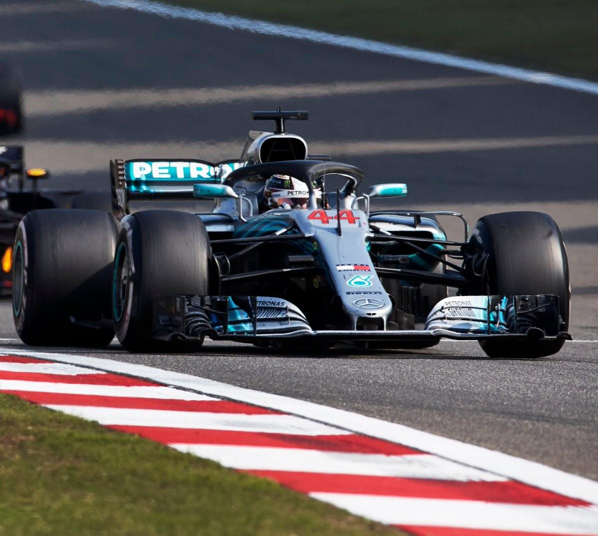 """Formula 1 - Hamilton: """"Siamo la seconda/terza forza del Mondiale"""""""