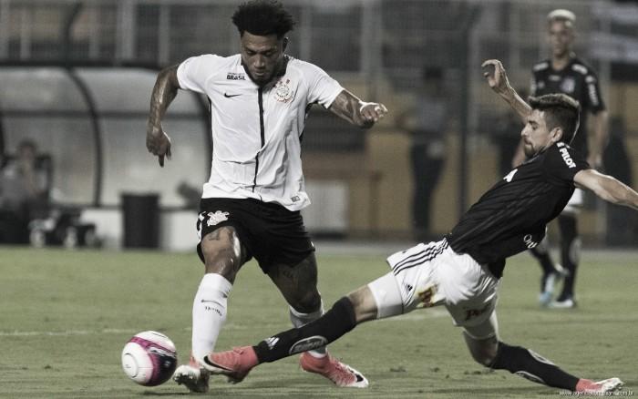 Corinthians pressiona, desperdiça pênalti e perde para Ponte Preta no Paulistão