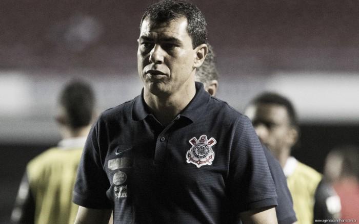 """Carille lamenta gols perdidos, mas pede Corinthians focado para Majestoso: """"Outra decisão"""""""