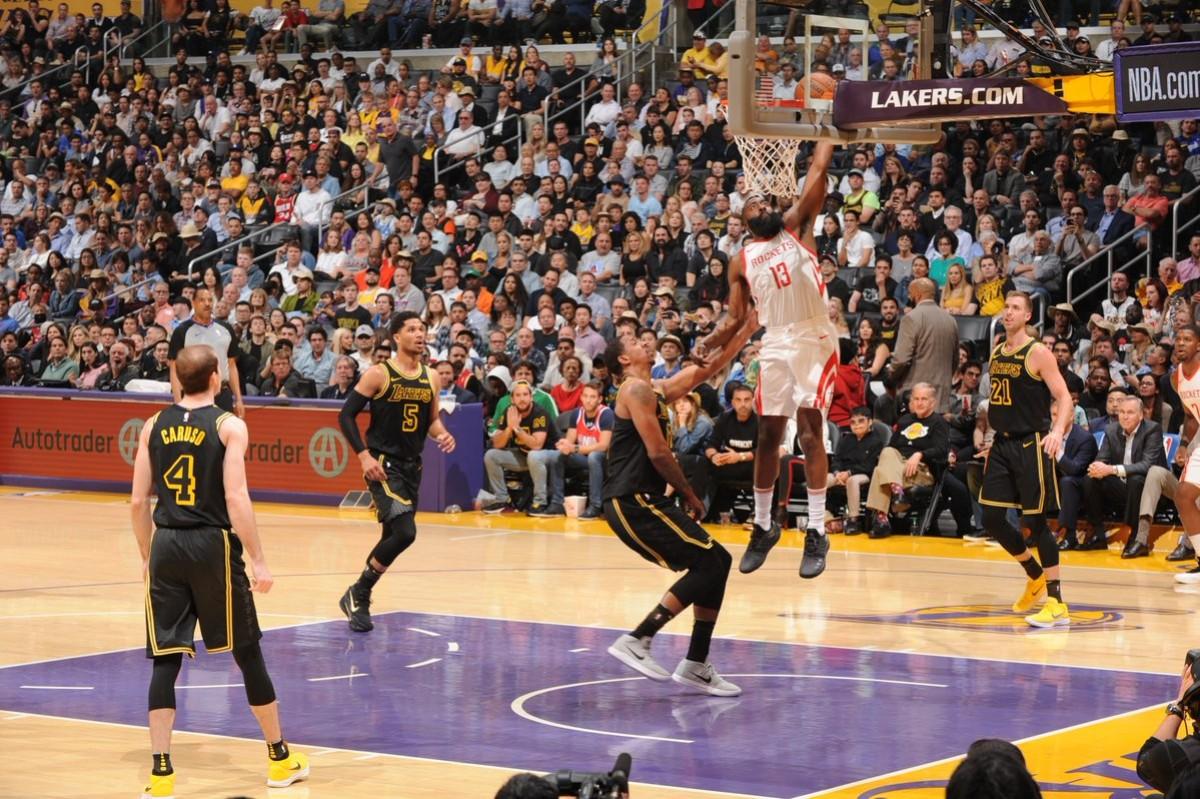 NBA - Houston trionfa ancora, nella notte di Andre Ingram