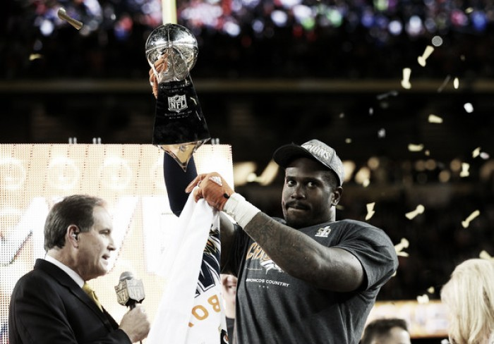 Von Miller agrees to contract with Broncos, surpasses Ndamukong Suh deal