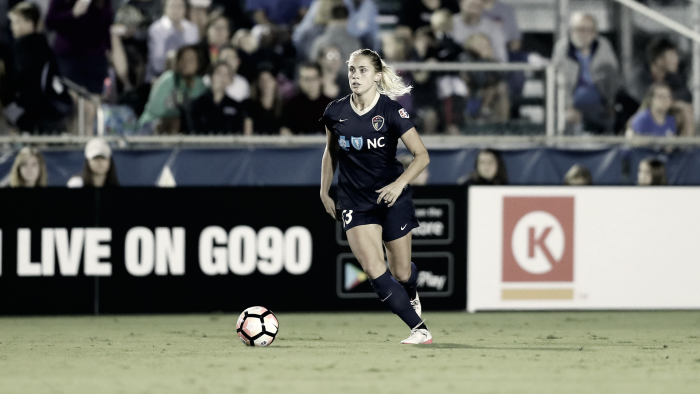 Abby Dahlkemper wins Defender of the Year