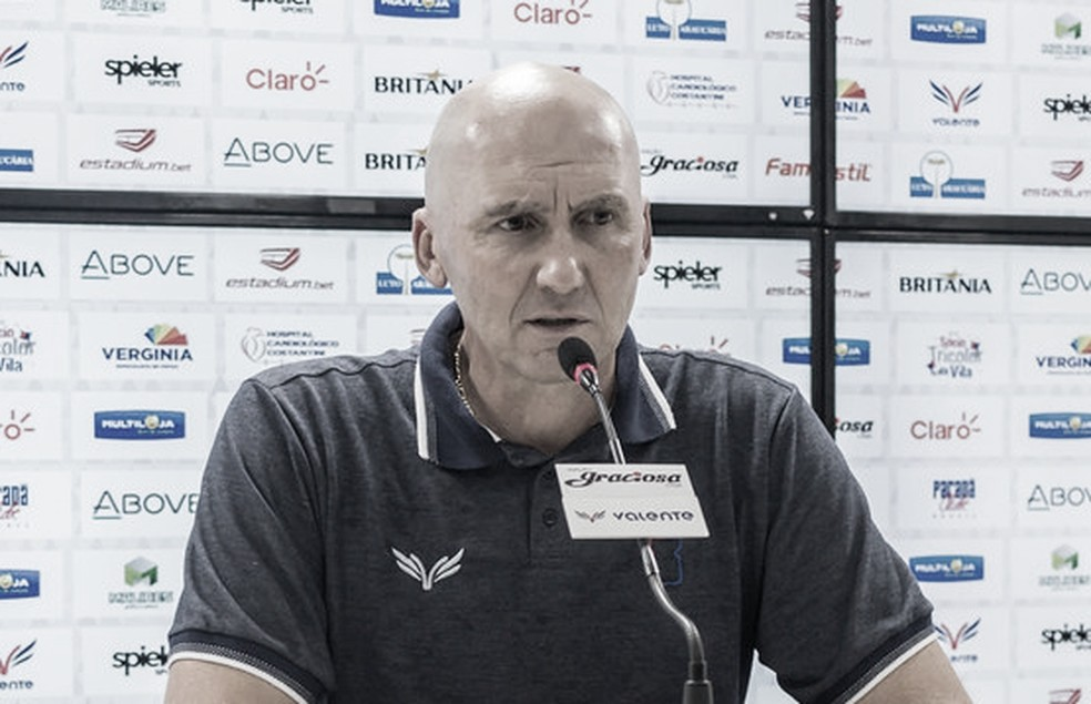 """Gilmar dal Pozzo alfineta elenco do Paraná após empate: """"A gente peca no aspecto técnico"""""""