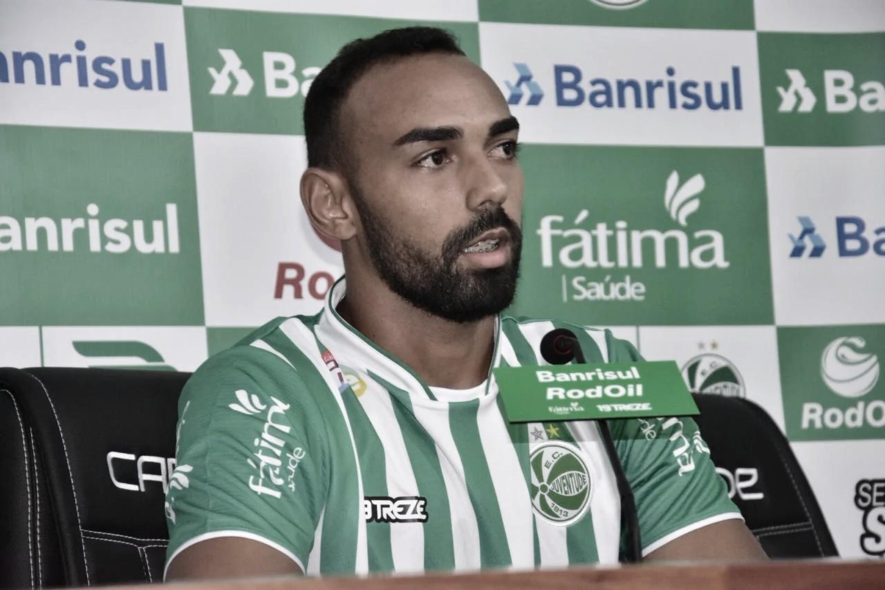 """Mesmo eliminado, Dalberto elogia atuação do Juventude contra Grêmio: """"Não nos intimidamos"""""""