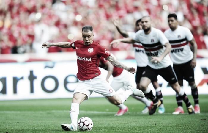 Inter bate Santa Cruz com gols de D'Alessandro para ser líder isolado e ficar próximo da Série A