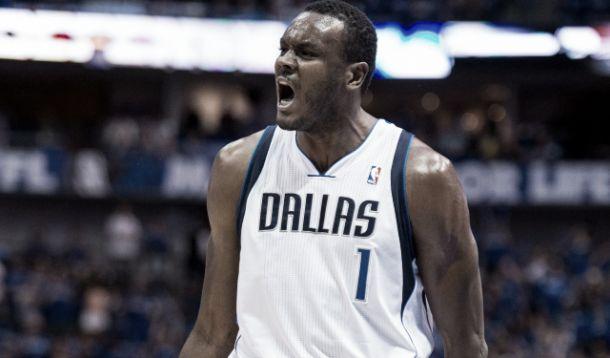 NBA, i Mavericks tagliano Dalembert: fiducia a Pachulia e McGee