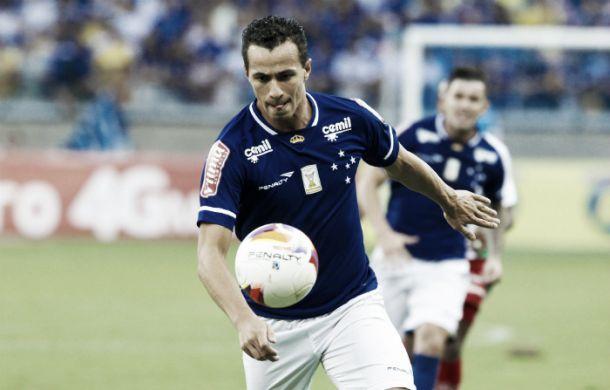 Leandro Damião exalta vitória do Cruzeiro diante da Ponte e pede união por  parte da torcida cb9d491fd26a0