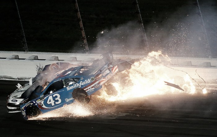 Aric Almirola airlifted to hospital after vicious wreck