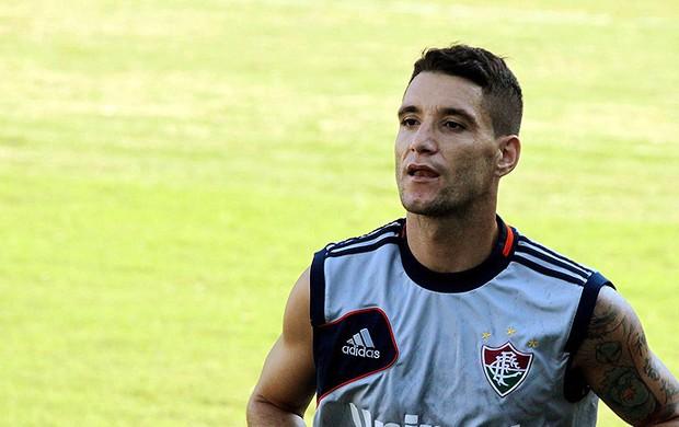 Thiago Neves se recupera, mas não tem previsão de retorno
