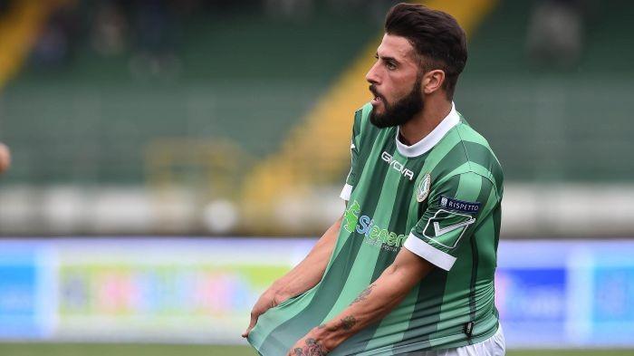Serie B: derby epico, Verde trascina l'Avellino nel 3-2 sulla Salernitana