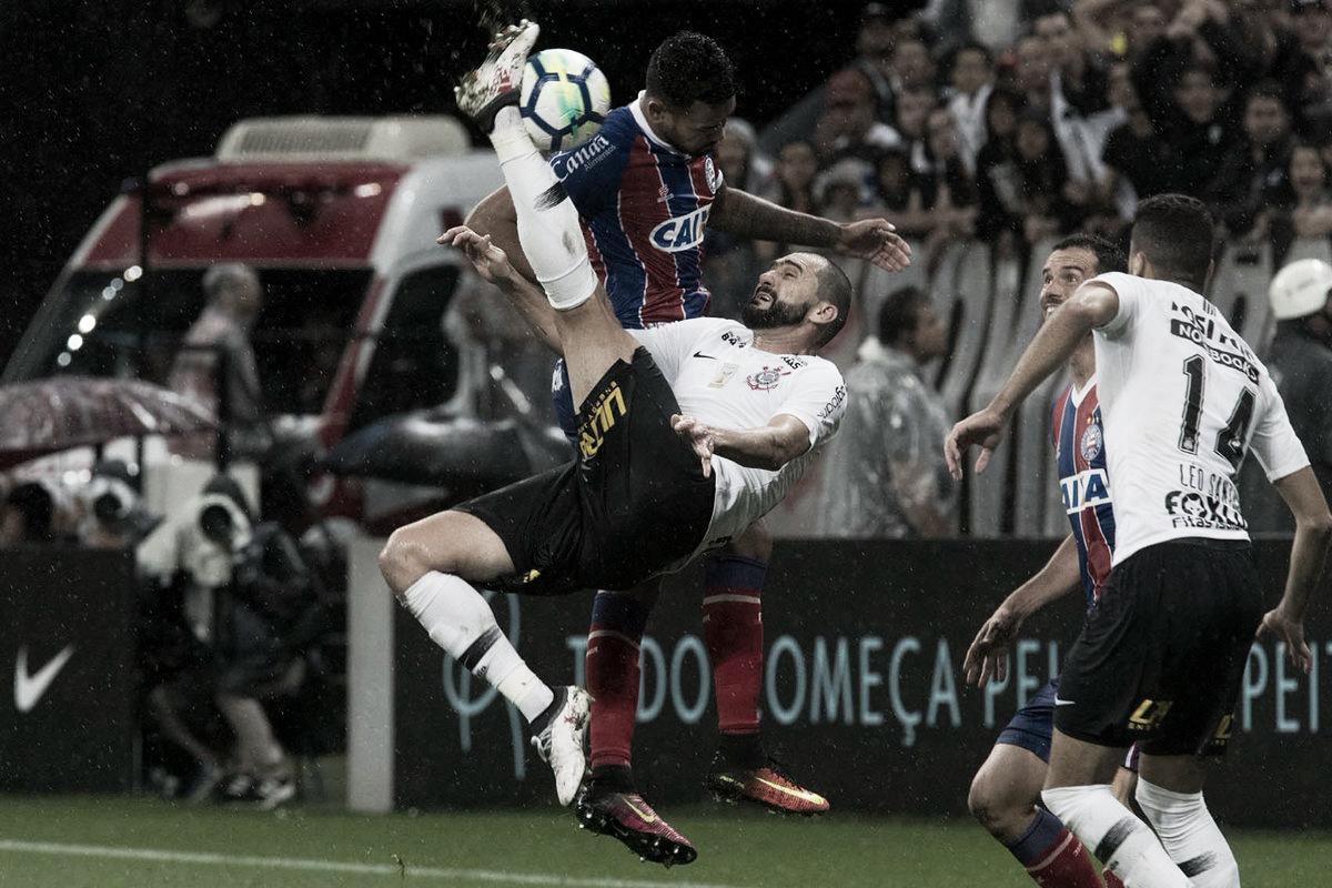 Com dois de Danilo, Corinthians bate Bahia e volta a vencer no Brasileirão