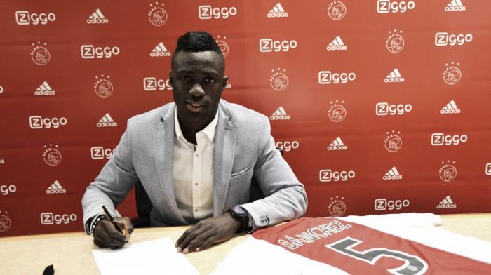 Davinson Sánchez es nuevo jugador del Ajax de Holanda